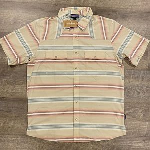 PATAGONIA NWT BUTTON UP